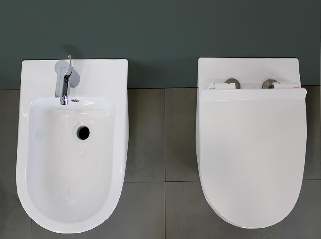 ROUND SLIM TERRA 3 3 Sanitari filo muro Round in ceramica Vaso+Bidet+Coprivaso Soft Close