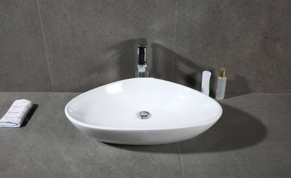 XS 0028lavabo appoggio 2 Lavabo bacinella cod XS-0028 da appoggio in ceramica di forma sfalsata col bianco lucido