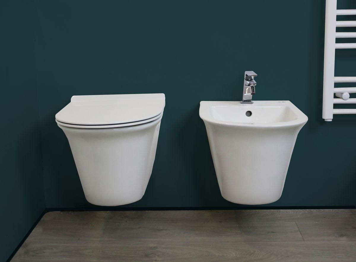 Smart sospeso 2 Sanitari Sospesi Smart in ceramica Vaso+Bidet+Coprivaso Soft Close