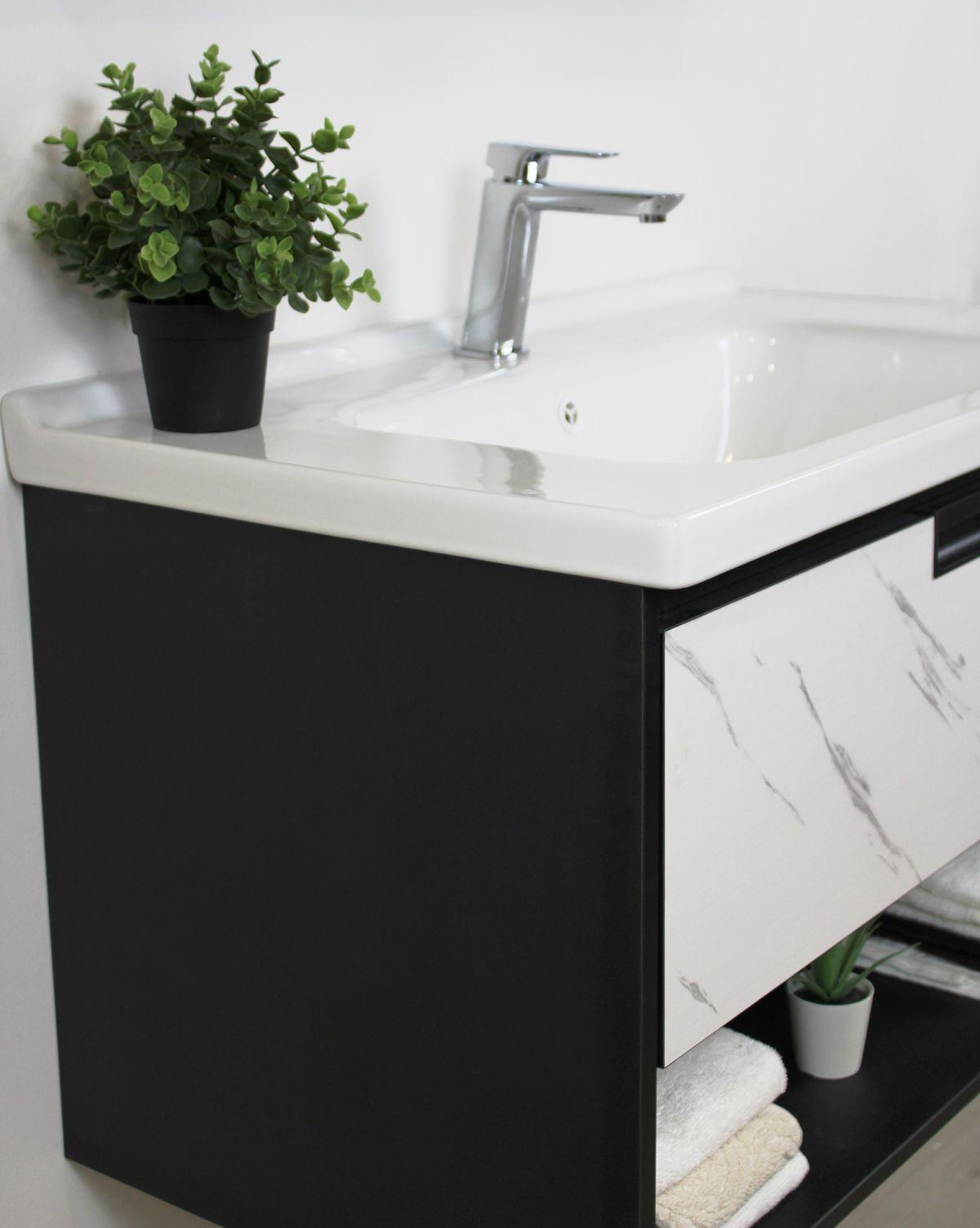 Mobile Bagno lisbona4 Mobile bagno Lisbona sospeso da 80 cm grigio effetto legno e bianco effetto marmo con lavabo specchio contenitore