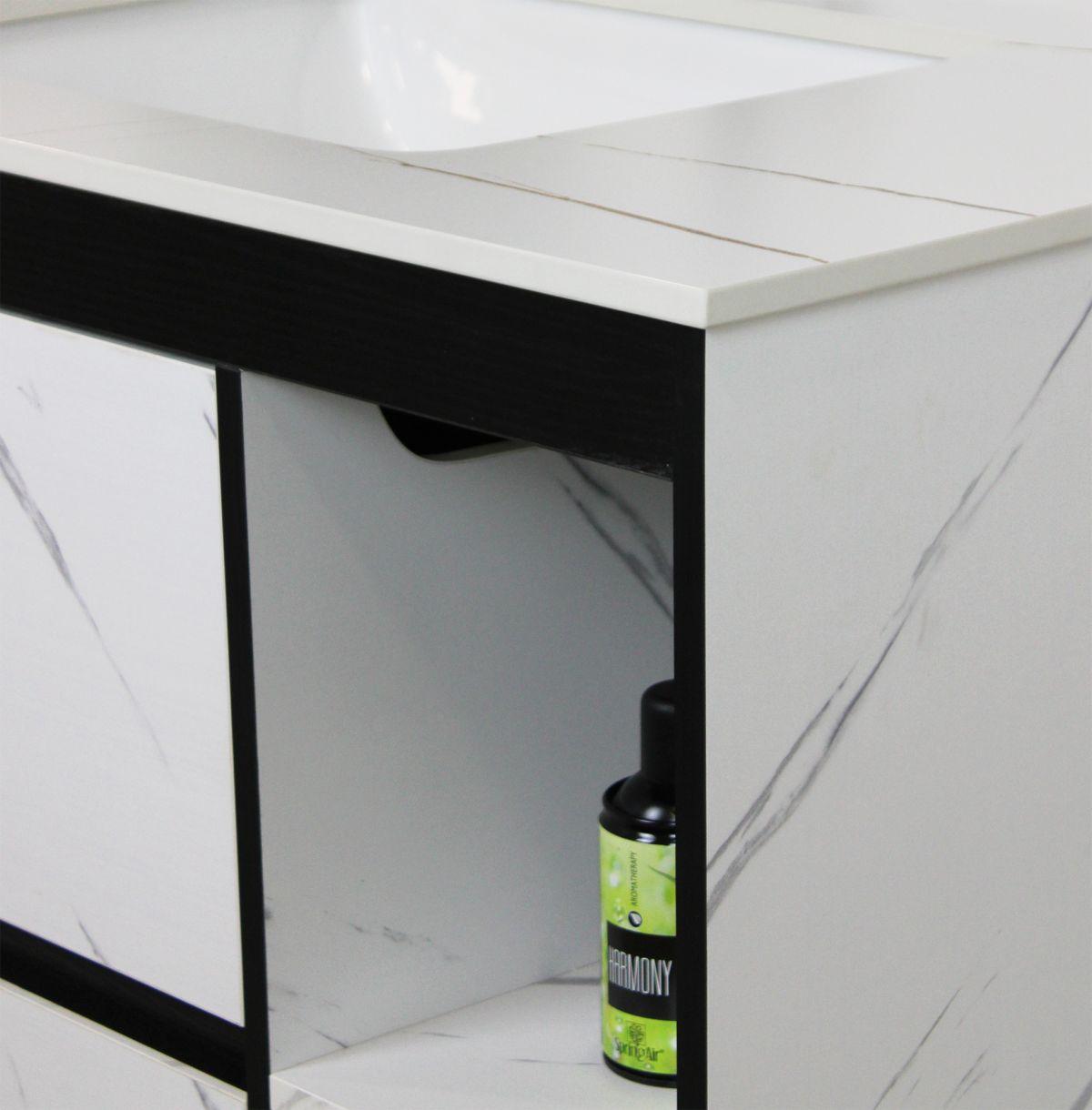 Mobile Bagno sospeso Perugia 1 Mobile bagno Madrid sospeso da 80 cm bianco effetto marmo con lavabo sottopiano specchio e moduli a giorno