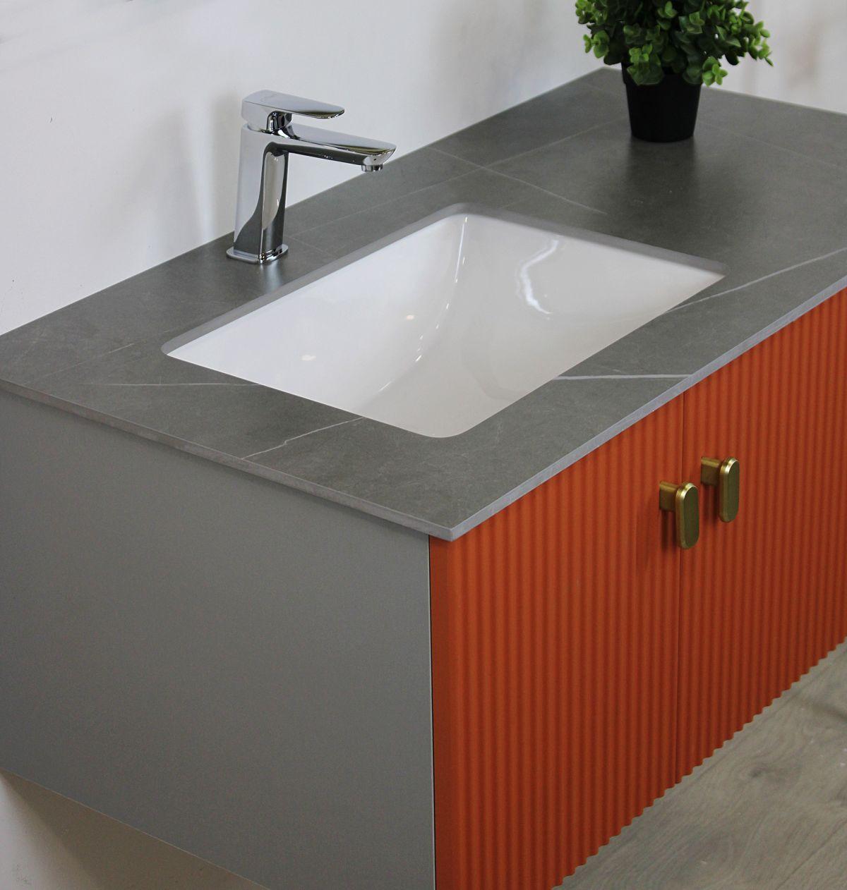 Mobile bagno istanbul particolare 1 Mobile bagno Istanbul sospeso da 100 cm color mattone con lavabo specchio e mensola