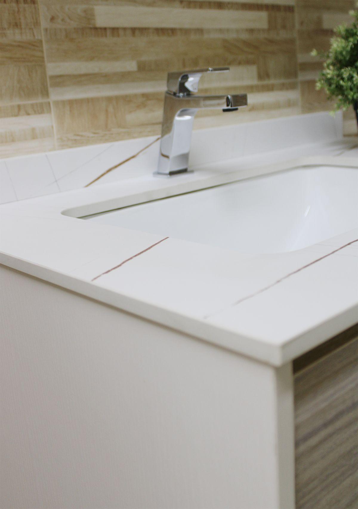 Nassaun mobile bagno sospeso 2 Mobile bagno Nassau sospeso da 80 cm bianco lucido e bianco decapè effetto legno con lavabo specchio e pensile